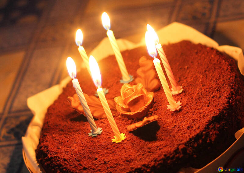 Candles in the cake №27015