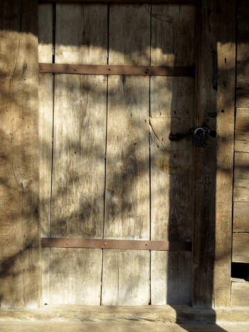 The old wooden door №28744