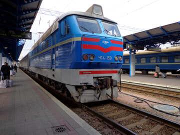 Treno arriva №28963