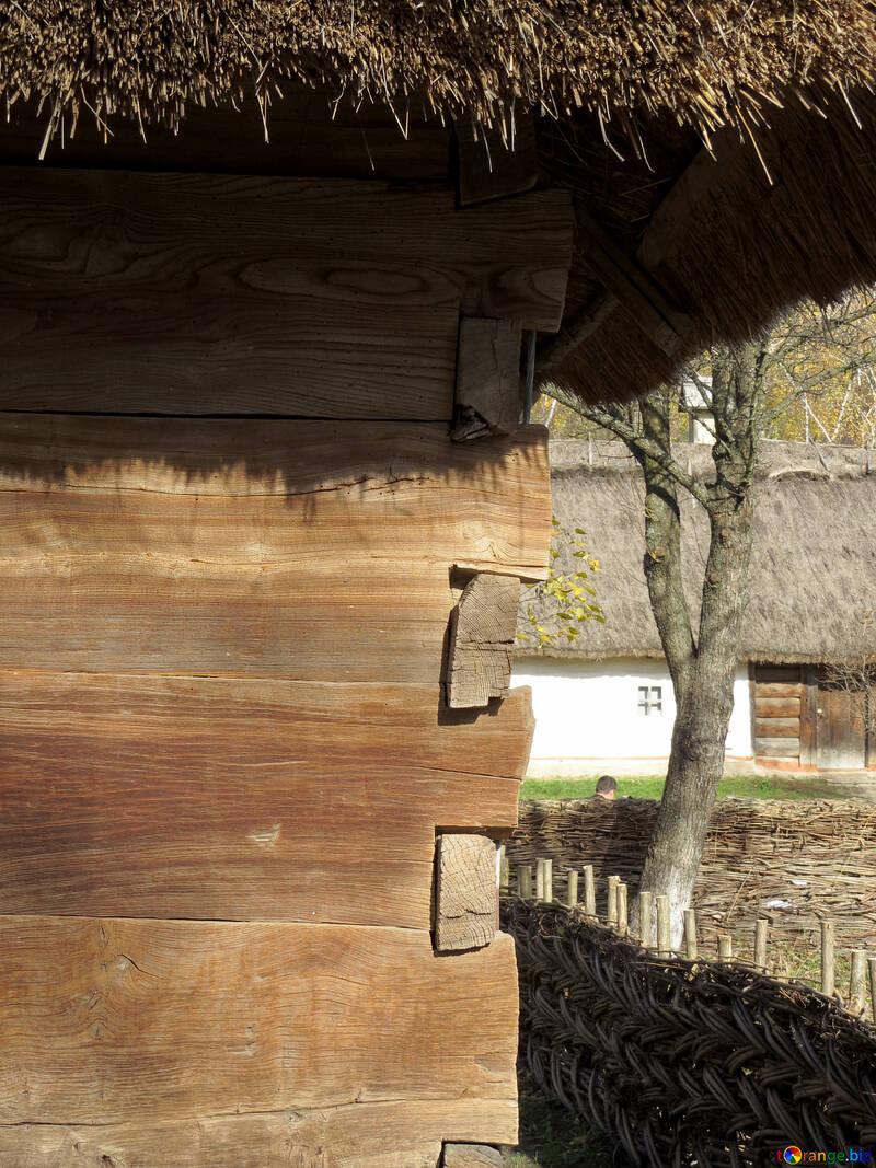 Угол дома из деревянных досок №28891