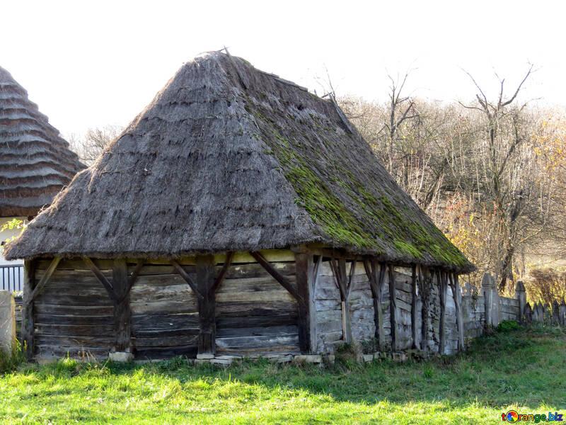 Старый деревянный сарай №28564