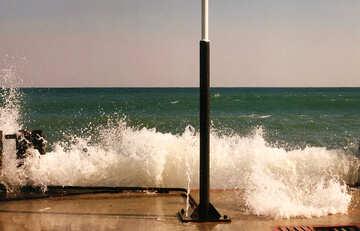 Waves break on the pier №29249