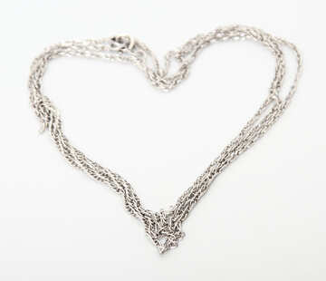 A chain of silver in the form of the heart. №3570