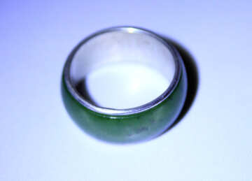 Broad ring with green stone №3575