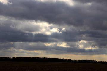 Las nubes sobre los campos №3526