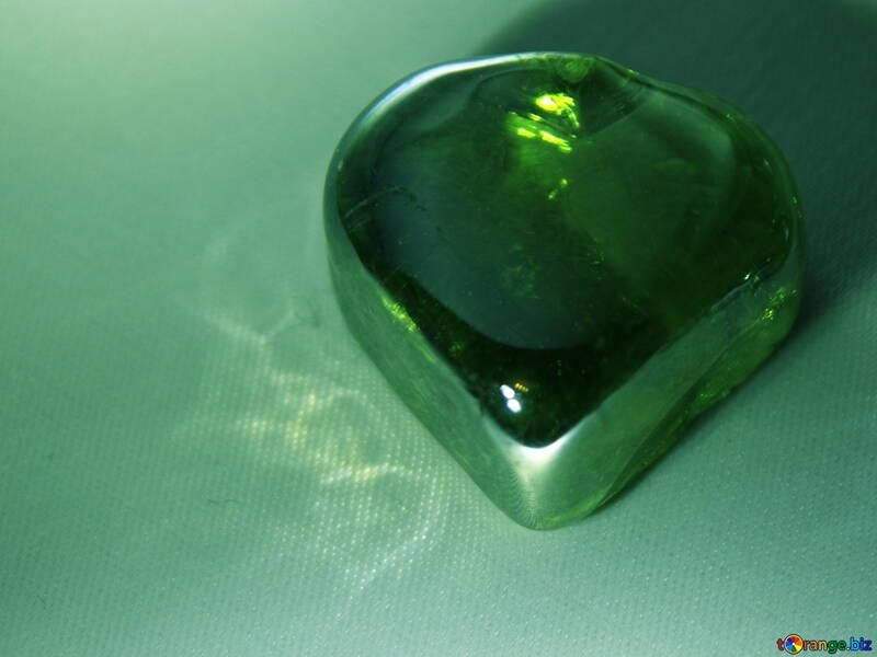 Зеленое сердечко №3665