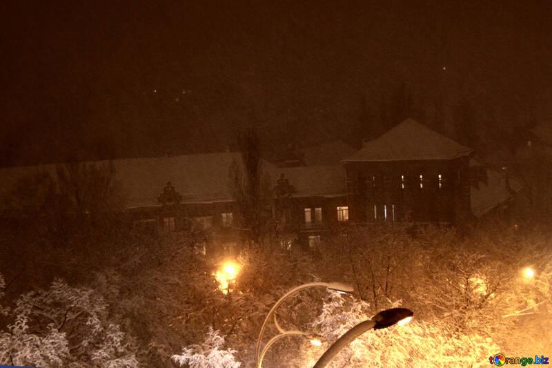 Sleep city in the snowy night  №3466