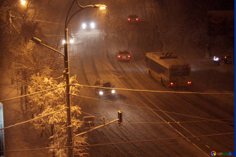 roadway at night in the snow  №3470