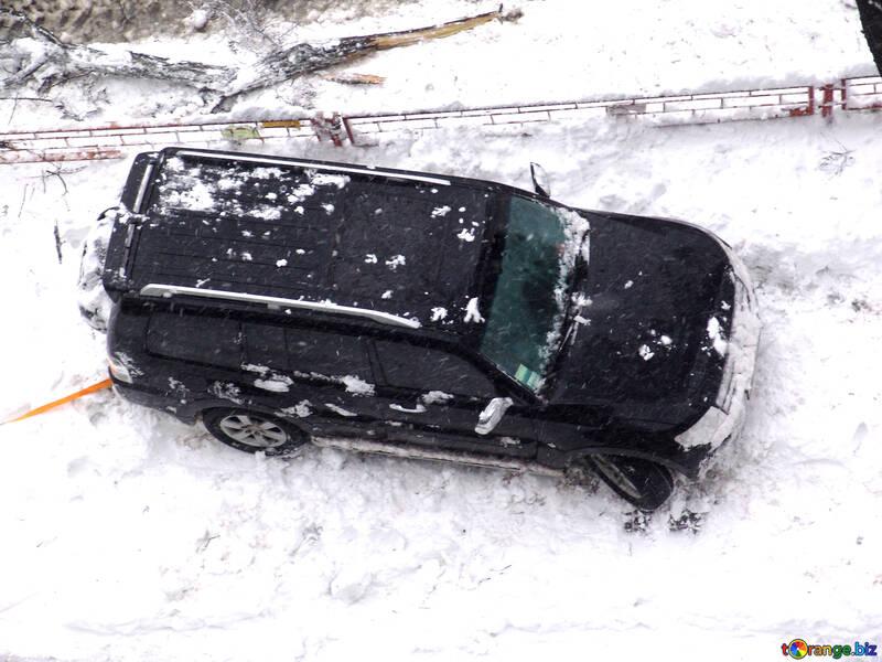 Jeep pegado en nieve №3403