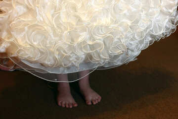 Her bare feet under her dress №30408
