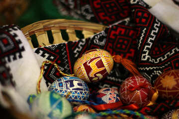 Easter eggs in basket №30068