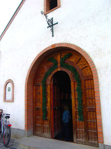 Entrance to the wine cellar №31687