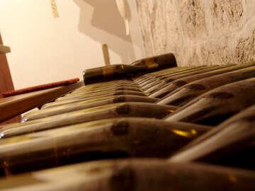 Old wine bottles №31689