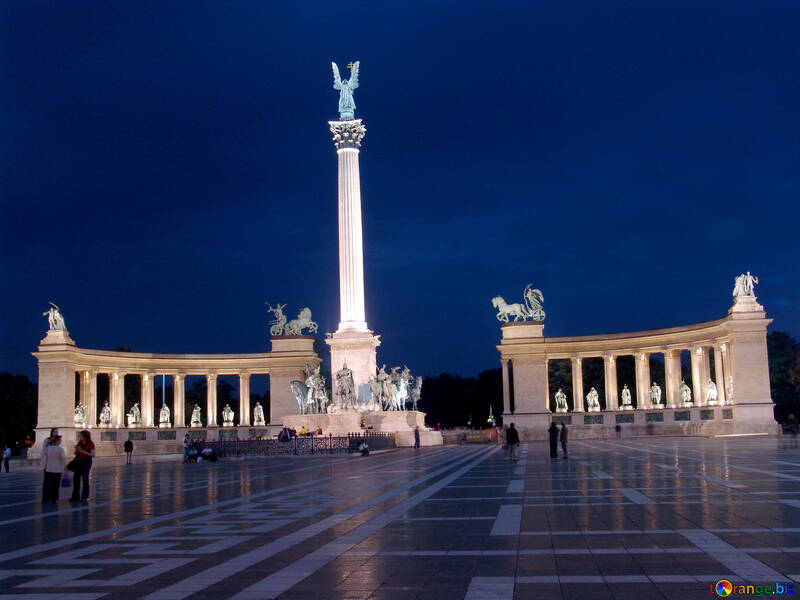 Heroes Square №31872