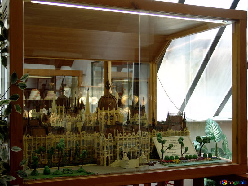 The layout of the Hungarian Parliament from marzipan №31735
