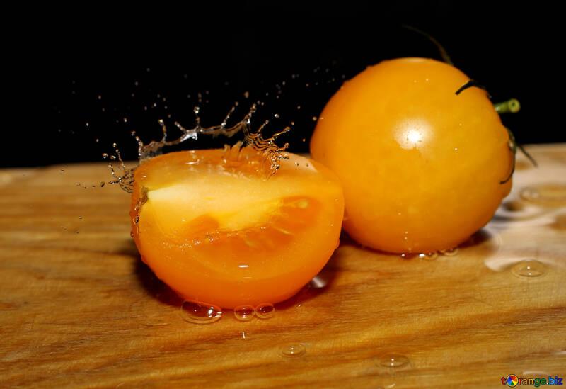 Yellow tomato №31029