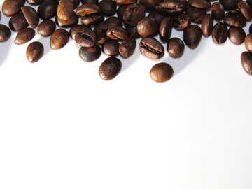 Telaio di chicchi di caffè su sfondo bianco