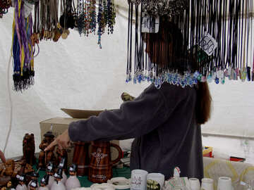 The seller of the Hungarian souvenirs №32099