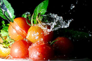 Tomatoes and water spray №32853