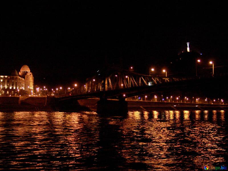 Budapest Bridge at night №32078