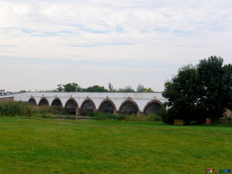 Ponte di pietra nove aperture Ungheria №32105