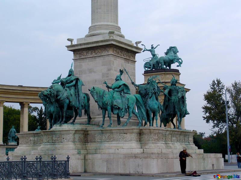 Horse sculpture №32068