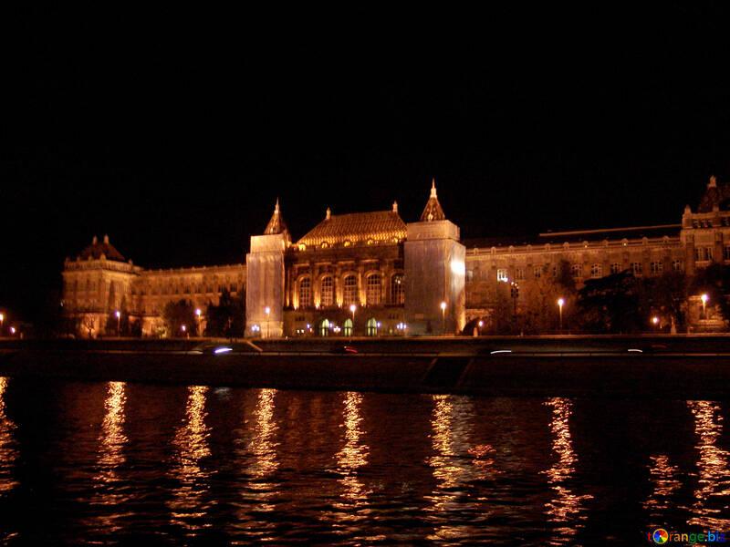 Ночная прогулка по Будапешту №32086