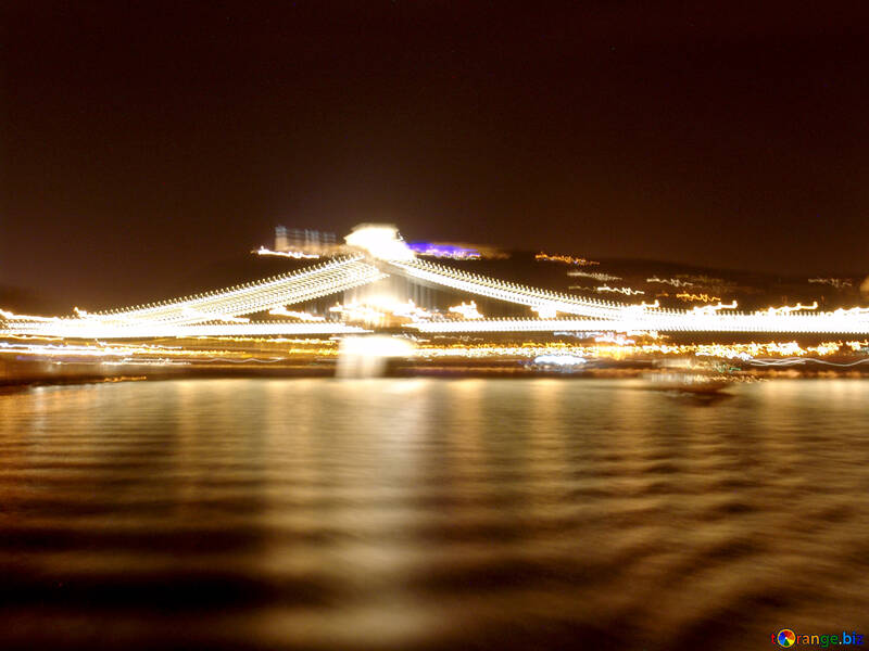 Walk on the ship at night №32074