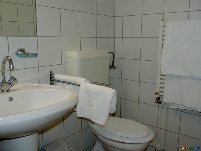 Bagni interior design una tazza del gabinetto di bagno interior