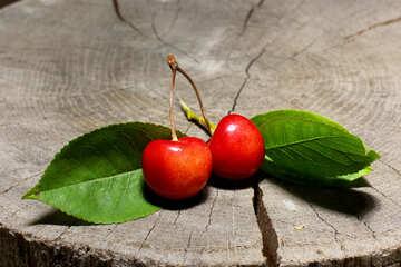 Ripe cherries №33203