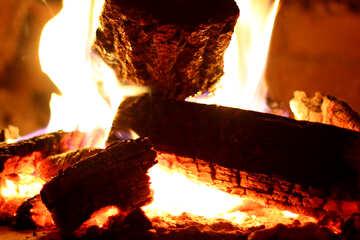 Горят дрова в печи  №34444