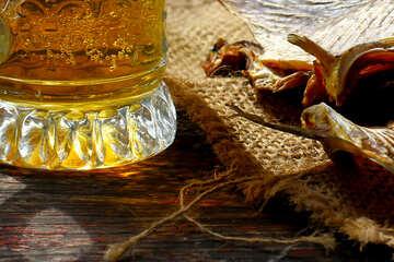 Bier und gesalzenem Fisch №34482