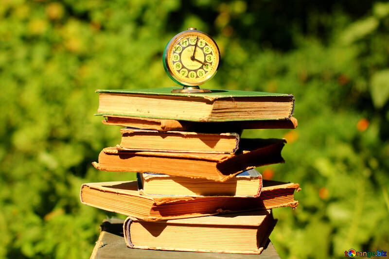 Books and watches №34926