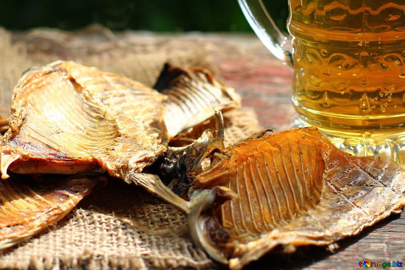 Cerveja com peixe №34471