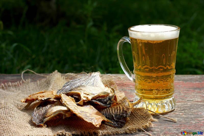 Getrockneter Fisch und Bier №34474