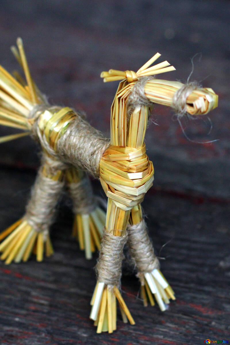Das Pferd hergestellt aus Stroh №34805