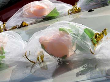 Decorative wedding flowers by car №35784