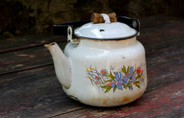 Old teapot on the table №36194