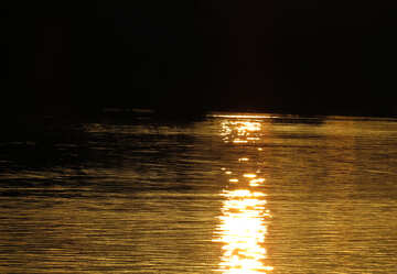 Sunset reflection in water №36404