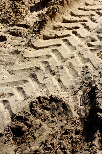 Truck trail in the sand №38511