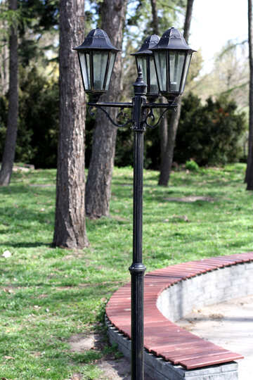 Antique lamp in the Park №39837