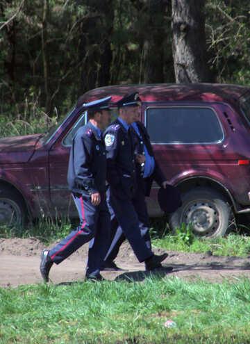 Milizsoldaten gehen №4850