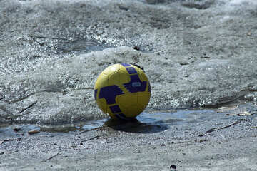 Ball  at  Spring  asphalt №4504