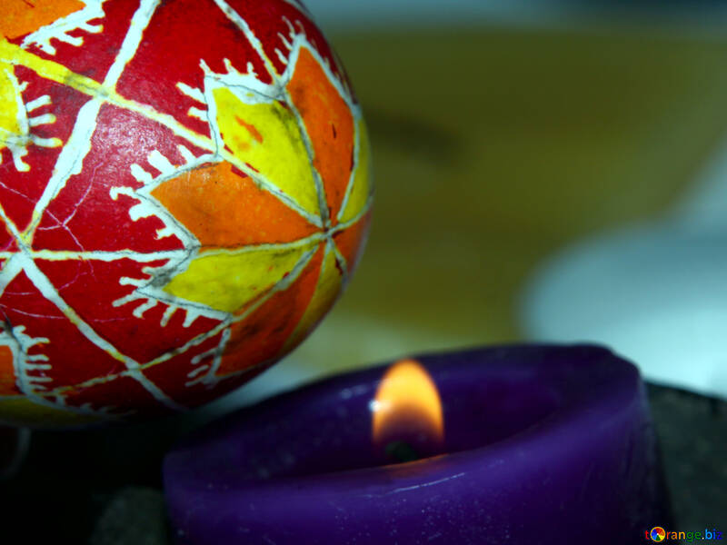 The wax melts from the fire. №4402