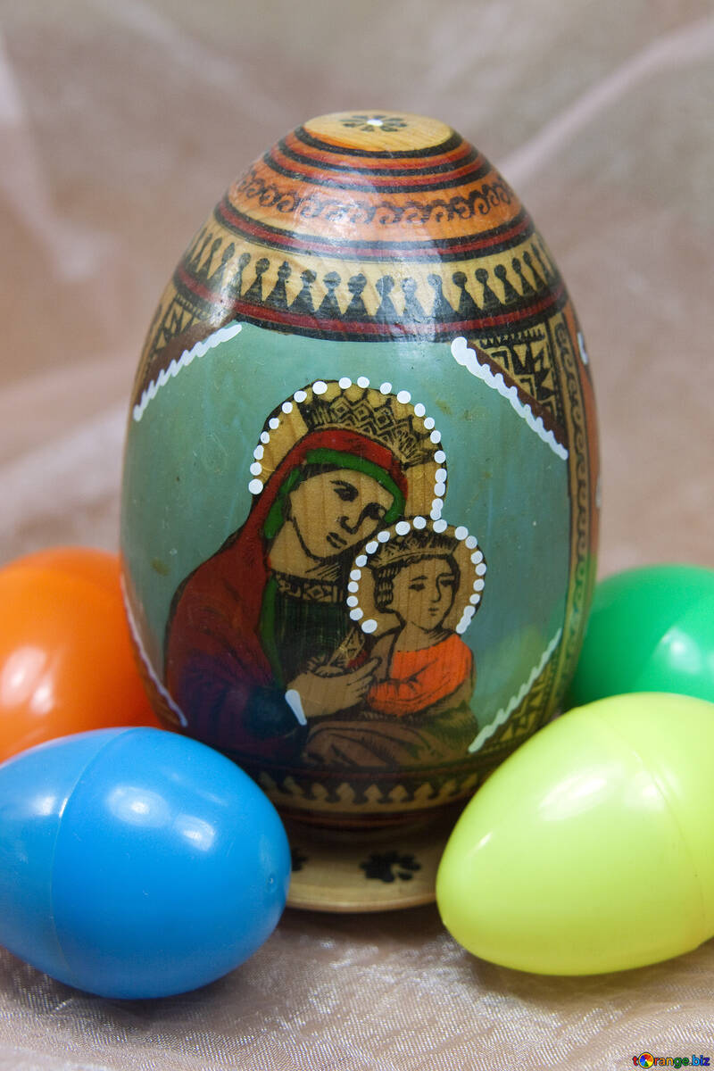 Face of the Virgin and Child on an Easter egg №4315