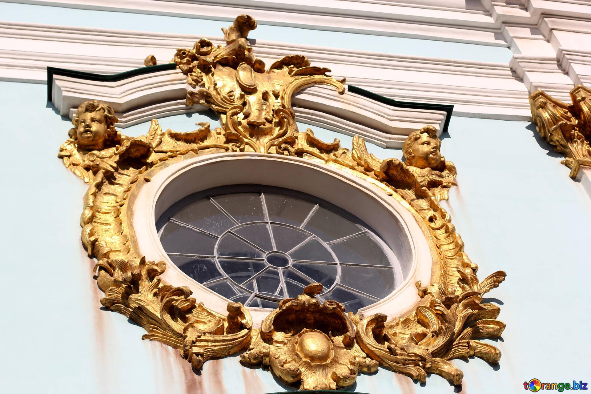 Rundes fenster mit goldrahmen runde fenster kirche № 41470