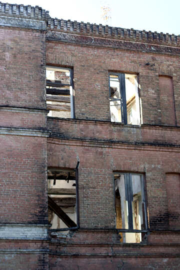 Ruined house №41686