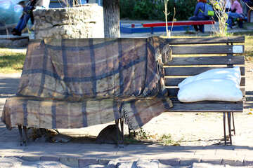 Sculpture bench with a blanket and pillow №41763