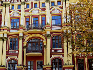 Beautiful building facade №41054