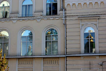Windows in the old town №41814